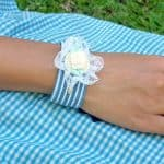 3 How to, How to make a fabric bracelet