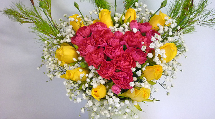 3 How to, How to arrange flowers with love shape. Fill in the gaps.