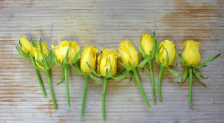 3 How to, How to arrange flowers with love shape. Secondary flowers.