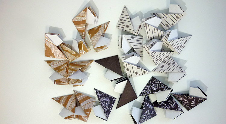 3 How to - How to make a coaster from  paper. process with 24 pieces