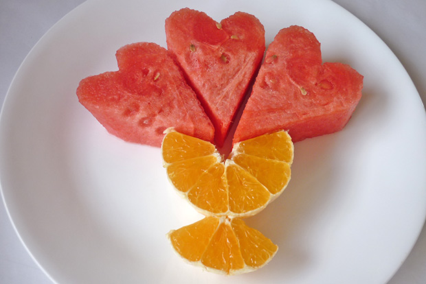 3 how to, shaped-watermelon-decoration