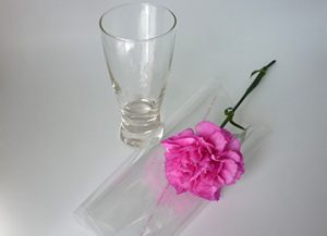 3 How to, How to arrange flower in less than 3 minutes. You will need.