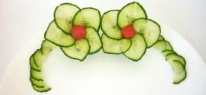 3 How to, cucumber flower with 5 petals