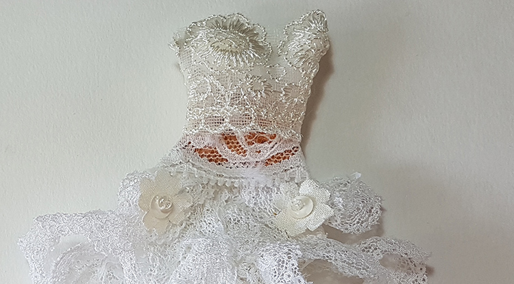 How to handcraft a floral lace dress -- Step 3 the result of the Wrap top patch with floral lace